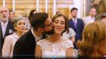 beso de recién casados en la parroquia San Juan de la Ribera. Valencia